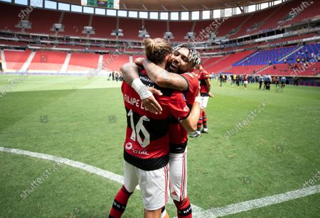 Gabriel Barbosa and Filipe Luis of Flamengo celebrate after the match; Mane Garrincha Stadium, Brasilia, Brazil; Supercopa do Brazil Final, Flamengo versus Palmeiras.