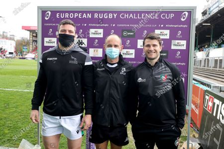 Leicester Tigers vs Newcastle Falcons. Newcastle Falcons captain Mark Wilson, referee Romain Poite and Leicester Tigers captain Richard Wigglesworth during the coin toss