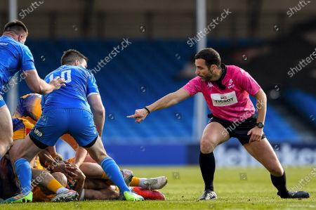 Exeter Chiefs vs Leinster. Leinster's Johnny Sexton with Referee Mathieu Raynal