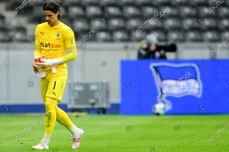 Moenchengladbach's goalkeeper Yann Sommer leaves the pitch after booking red card during the German Bundesliga soccer match between Hertha BSC and Borussia Moenchengladbach in Berlin, Germany, 10 April 2021.