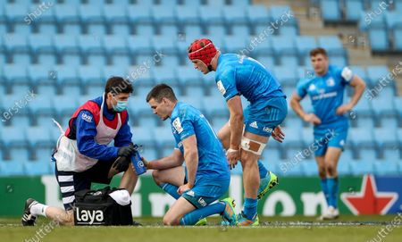 Exeter Chiefs vs Leinster. Leinster's Johnny Sexton receives medical attention with Josh Van der Flier