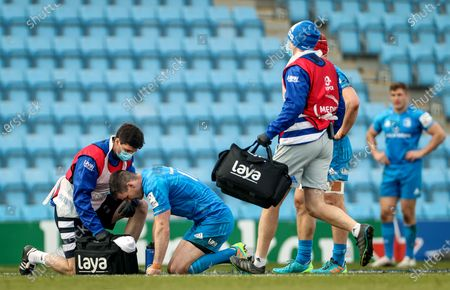 Exeter Chiefs vs Leinster. Leinster's Johnny Sexton receives medical attention
