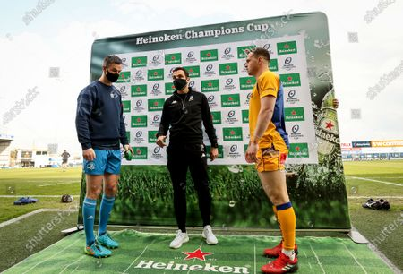 Exeter Chiefs vs Leinster. Leinster's Johnny Sexton with Referee Mathieu Raynal and Joe Simmonds of Exeter Chiefs at the coin toss
