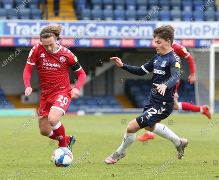L-R Sam Matthews of Crawley Town and Tom Clifford of Southend United during Sky Bet League Two between Southend United and Cawley Town at Roots Hall Stadium, Southend, UK on 10th April 2021.