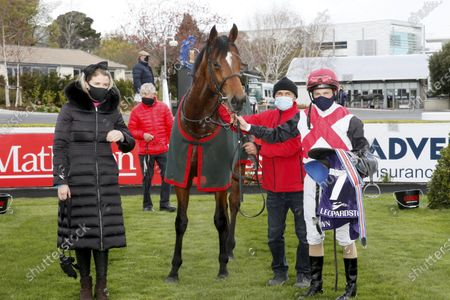 The Leopardstown Maiden. Trainer Kate Harrington, groom Olek Sharhuit and Shane Foley with O'Reilly after winning