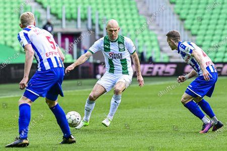 Arjen Robben  (C) of FC Groningen in action during the Dutch Eredivisie match between FC Groningen and SC Heerenveen at the Hitachi Capital Mobility stadium in Groningen, The Netherlands, 11 April 2021.