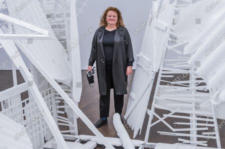 Rachel Whiteread with Doppelgänger, 2020-2021 - Gagosian presents Internal Objects, an exhibition of new work by Rachel Whiteread at their Grosvenor Hill gallery. The exhibition opening is possible as the next stage of easing of coronavirus restrictions comes in to force, allowing non-essential retail to re-open.