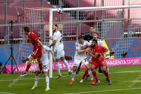 Josip Stanisic #44 (FC Bayern Munich), Christopher Lenz #25 (1. FC Union Berlin), Christopher Trimmel #28 (1. FC Union Berlin), Robin Knoche #31 (1. FC Union Berlin), Eric Maxim Choupo-Moting #13 (FC Bayern Munich)