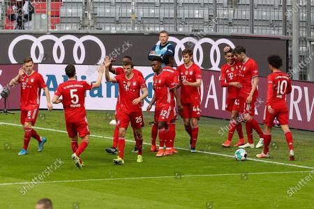 The team is pleased to announce the goal of Jamal Musiala #42 (FC Bayern Munich) for 1:0, Joshua Kimmir #6 (FC Bayern Munich), Thomas Müller #25 (FC Bayern Munich), David Alaba #27 (FC Bayern Munich), Javi Martinez #8 (FC Bayern Munich), Christopher Scott #32 (FC Munich) Josip Stanisic #44 (FC Bayern Munich), Leroy Sane #10 (FC Bayern Munich)
