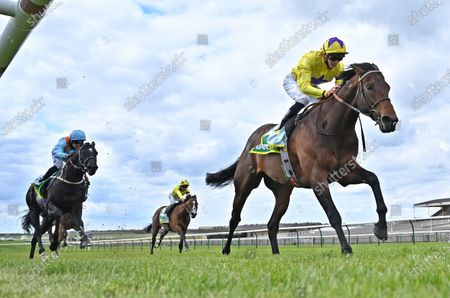 (R) My Oberon (James Doyle) winning The bet365 Earl of Sefton Stakes from (L) Maries Diamond (Silvestre De Sousa).Photo © Hugh Routledge.