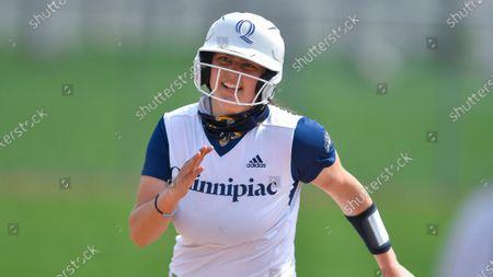 Quinnipiac's Hannah Davis (9) plays against Niagara during an NCAA softball game on in Niagara Falls, N.Y