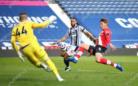 Matt Phillips (C) of West Bromwich scores the 2-0 during the English Premier League match between West Bromwich Albion and Southampton in West Bromwich, Britain, 12 April 2021.