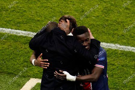 Paris Saint-Germain v Bayern Munich