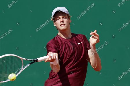 Jannik Sinner of Italy in action during his first round match against Albert Ramos-Vinolas of Spain at the Monte-Carlo Rolex Masters tournament in Roquebrune Cap Martin, France, 13 April 2021.