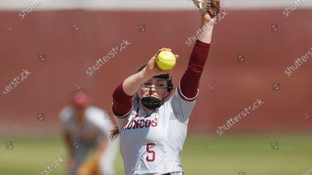 Lauren Anderson of Santa Clara pitches against Loyola Marymount during an NCAA softball game on in Santa Clara, Calif