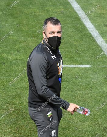 Granada's head coach Diego Martinez reacts during a training session of the team in Granada, southern Spain, 13 April 2021. Granada will face Manchester United in their UEFA Europa League quarterfinal second leg soccer match on 15 April 2021.