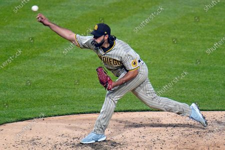 San Diego Padres relief pitcher Nabil Crismatt delivers during the sixth inning of a baseball game against the Pittsburgh Pirates in Pittsburgh