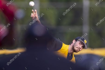 Kennesaw State pitcher Matt Thompson (35) pitches against Jacksonville State during an NCAA baseball game, in Jacksonville, Ala