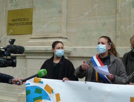 The water campaign protest is not for us to the multinationals in the presence of Mathilde Panot and Ugo Bernalicis, the deputies La France Insubmitted, in front of the Ministry of Ecological Transition.