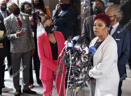 Mother of Michael Brown, Lezley McSpadden speaks to members of the press at a press conference outside The Sheraton Hotel in Times Square in New York City to demand justice for the killing of Daunte Wright.