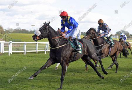 TEES SPIRIT with Tony hamilton wins Marton Le Moor handicap Stakes at Ripon