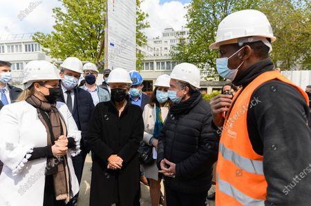 Nadia Hai, Olivier Salleron, Elisabeth Borne, a guest and a worker