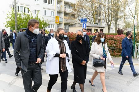 Stephane Beaudet, Nadia Hai, Elisabeth Borne and a guest