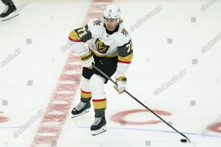 Vegas Golden Knights center William Karlsson (71) controls the puck during an NHL hockey game against the Los Angeles Kings, in Los Angeles