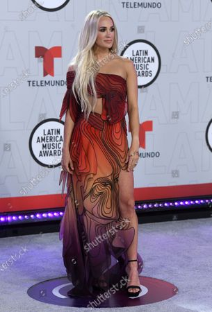Carrie Underwood arrives at the Latin American Music Awards at the BB&T Center, in Sunrise, Fla