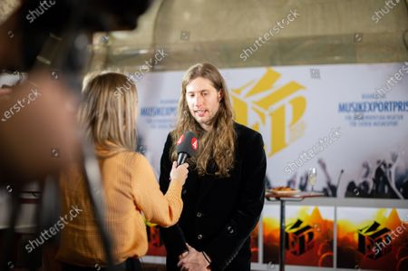The Government's prize for extraordinary services to Swedish music exports in 2018 has been awarded to composer and producer Ludwig Goransson.