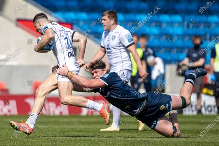 Cobus Weise of Sale Sharks tackles Jonny May of Gloucester Rugby; AJ Bell Stadium, Salford, Lancashire, England; English Premiership Rugby, Sale Sharks versus Gloucester.