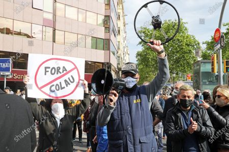 Demonstration to request the resignation of the Mayor of Barcelona, Ada Colau, accused by many citizens of destroying the city of Barcelona and of alleged irregularities in its management, in Barcelona on 16th April 2021. Photo:  --