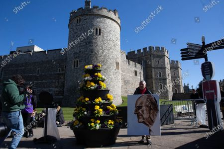 Artist, Kaya Mar, with his portrait of Prince PhilipFuneral of Prince Philip, Duke of Edinburgh. He was married to Her Majesty Queen Elizabeth II for 73 years and died on April 9th.The Funeral of the Duke of Edinburgh.