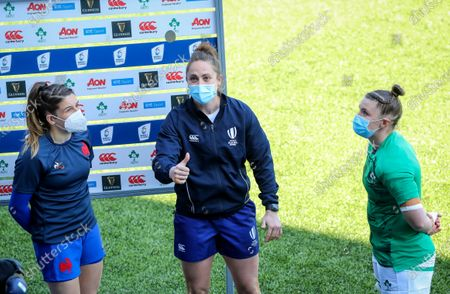 Ireland Women vs France Women. France's Gaëlle Hermet with Referee Sara Cox and Ciara Griffin of Ireland at the coin toss