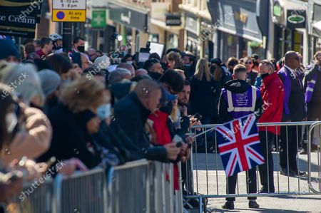 Locals and visitors came into Windsor today to pay their respects to HRH Prince Philip on his funeral day, however, many heeded advice and stayed away due to the ongoing Covid-19 Pandemic. There was a heavy presence of armed police in the town together with numerous RBWM stewards. The funeral for the Duke of Edinburgh was a private event held at St George's Chapel in the grounds of Windsor Castle