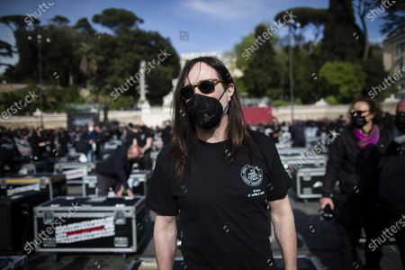 Stock Image of Singer Manuel Agnelli of Afterhours takes part in a flash mob performance called by the 'Bauli in Piazza' movement against the lack of aid to the cultural, entertainment and events sector on April 17, 2021 in Rome, Italy.
