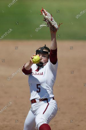 Lauren Anderson of Santa Clara pitches against Pacific during an NCAA softball game on in Santa Clara, Calif
