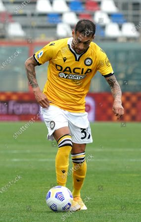 "Roberto Pereyra of Udinese Calcio during the Serie A match between Fc Crotone and Udinese Calcio on April 17, 2021 stadium ""Ezio Scida"" in Crotone, Italy"