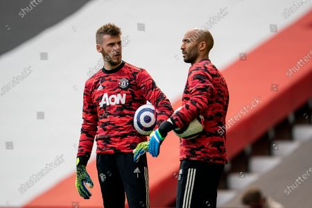 Manchester United goalkeepers David De Gea and Lee Grant during the pre-match warm-up