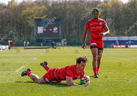 Michael Rhodes scores a Try for Saracens in the 1st half