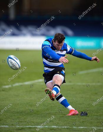 Ben Spencer of Bath Rugby kicks the match-winning conversion