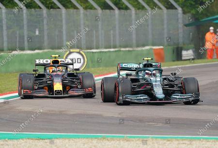 Sebastian Vettel (DEU#5), Aston Martin Cognizant Formula One Team, Sergio Perez (MEX#11), Red Bull Racing Honda