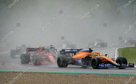 Lando Norris (GBR#4), McLaren F1 Team, Carlos Sainz Jr. (ESP#55), Scuderia Ferrari Mission Winnow
