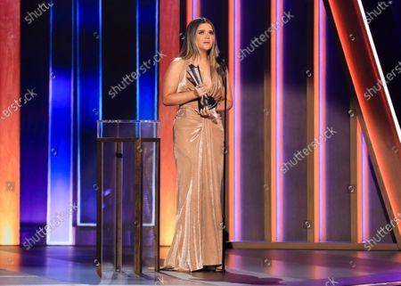 Maren Morris wins Song of The Year