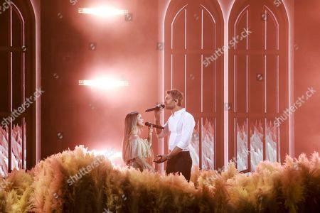 Maren Morris and Ryan Hurd perform