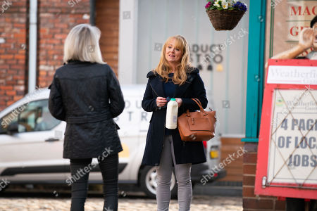 Coronation Street - Ep 10314 Friday 30th April 2021 - 2nd Ep Sharon Bentley, as played by Tracie Bennett, lies to Jenny Connor, as played by Sally-Ann Matthews, making out she's mentoring one of the prisoners.