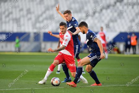Stevan Jovetic AS Monaco between Toma Basic and Loris Benito Bordeaux