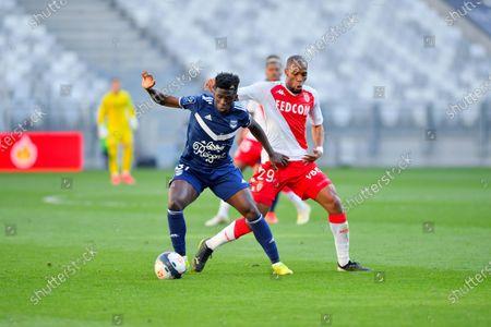 Amadou Traore Bordeaux in front of Djibril Sidibe AS Monaco