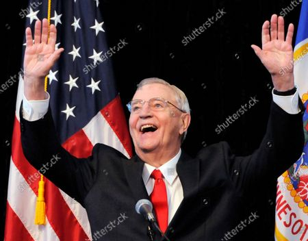 Obituary - Former US Vice President Walter Mondale dies aged 93