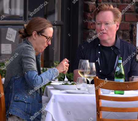 Stock Image of Exclusive - Liza Powel and Conan O'Brien have an early dinner at Amici Italian restaurant